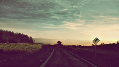 tumblr-static-road-car-sky-vintage-retro-trash-nature-vintage-621210927.jpg